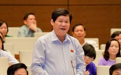 Đại biểu Quốc hội chúc mừng chiến thắng của đội tuyển bóng đá Việt Nam trước Thái Lan