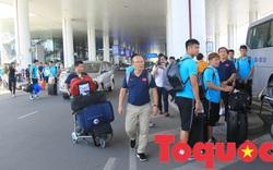 Á quân King's Cup ĐT Việt Nam trở về rạng ngời, náo loạn sân bay Nội Bài
