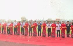 Phó Thủ tướng Vương Đình Huệ dự lễ khánh thành Sân vận động Hà Tĩnh