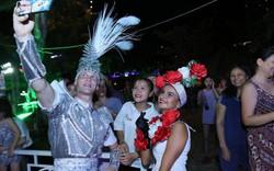 """Người dân và du khách tới Đà Nẵng lại tiếp tục """"cháy"""" cùng carnival đường phố đêm 30/6"""