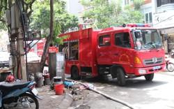 Hà Nội: Cháy lớn trong ngõ nhỏ Lương Sử C, nhiều người dân hoảng loạn