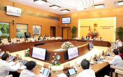 Chủ tịch Quốc Hội Nguyễn Thị Kim Ngân: Không để hai Sở giao dịch chứng khoán