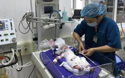 Thai phụ bất ngờ tử vong, bác sĩ tức tốc mổ bắt con