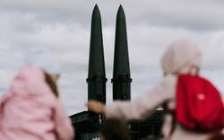 Cuộc chạy đua vũ khí tối tân không ai ngờ tại bán đảo Triều Tiên: Tên lửa, hạt nhân chỉ là bề nổi?