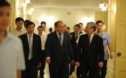Thủ tướng Nguyễn Xuân Phúc dự chương trình nghệ thuật đặc biệt Lời Bác dặn trước lúc đi xa