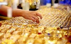 Giá vàng thế giới ngày 27/8: Vàng thế giới thấp hơn trong nước