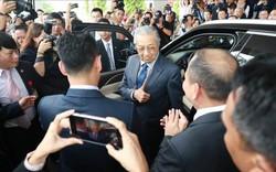 """Thủ tướng Malaysia Mahathir Mohamad: """"Xe VinFast rất khỏe, thiết kế đẹp, êm như xe điện"""""""