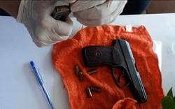 """Nhóm nam nữ mang theo súng, đi ô tô từ Quảng Trị vào Đà Nẵng thuê 5 phòng khách sạn để """"phê"""" ma túy"""