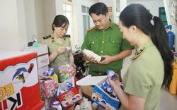 Gần 6.000 sản phẩm bánh kẹo không nguồn gốc theo xe tải vào Thủ đô