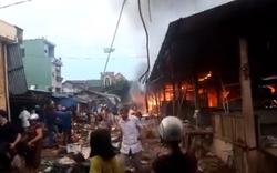 Chợ Mộc Bài cháy ngùn ngụt, hàng trăm tiểu thương thiệt hại nặng nề