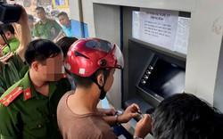 Nhóm người Trung Quốc đánh cắp dữ liệu thẻ ATM ngân hàng người Việt như thế nào?