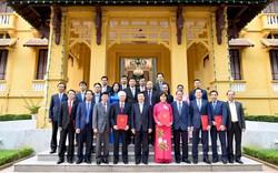 Trao Quyết định bổ nhiệm 6 Đại sứ nhiệm kỳ 2019-2022