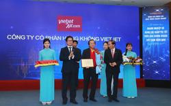 Vinamilk, Vietjet, Vingroup...lọt top 10 doanh nghiệp niêm yết xuất sắc nhất trên sàn chứng khoán