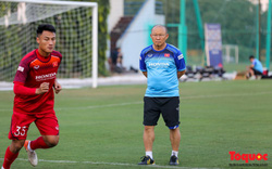 Tân binh ĐT Việt Nam chia sẻ về yêu cầu của HLV Park Hang-seo với cầu thủ trong tập luyện