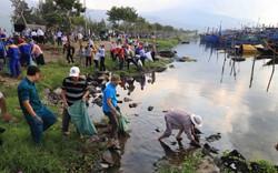 """Hơn 2.000 người ra quân hưởng ứng Chiến dịch """"Làm cho thế giới sạch hơn"""""""