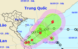 Hai áp thấp nhiệt đới cùng xuất hiện trên Biển Đông, hướng đi liên tục thay đổi