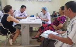 Sau vụ cháy Công ty Rạng Đông:  Hàng chục người dân được chỉ định vào viện