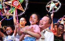 1000 đèn Trung thu cho con em chiến sĩ nơi đảo xa