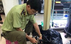 Truy quét hàng giả ở Saigon Square: Tiểu thương đồng loạt đóng cửa, giả vờ quét dọn vệ sinh