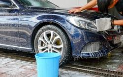 Tiệm rửa xe 'hốt bạc' dịp cận Tết,