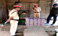"""Kon Tum: Phát hiện 95kg pháo hoa bị """"bỏ quên"""" trên đường"""