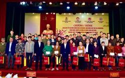 Phó Thủ tướng Trịnh Đình Dũng tặng quà Tết tại Tuyên Quang