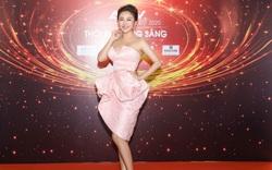 Hồ Quỳnh Hương, Văn Mai Hương khoe vẻ gợi cảm khi góp mặt trong chương trình đặc sắc đêm giao thừa