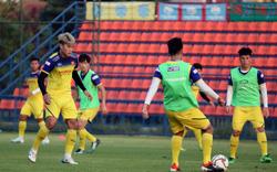 Đội tuyển U23 Việt Nam tập buổi đầu tiên trên đất Thái Lan: Cạnh tranh căng thẳng