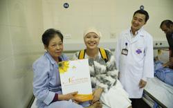 """""""Hoa khôi truyền cảm hứng"""" của Đại học Ngoại Thương: """"Ung thư không có gì là xấu, nó chỉ là một thử thách trong cuộc đời"""""""