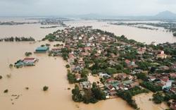Chùm ảnh, video flycam: Cận cảnh lũ lịch sử nhấn chìm đường sá, ngập hàng ngàn ngôi nhà ở Quảng Bình