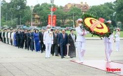 Lãnh đạo Đảng, Nhà nước vào Lăng viếng Chủ tịch Hồ Chí Minh trước giờ khai mạc Kỳ họp thứ 10