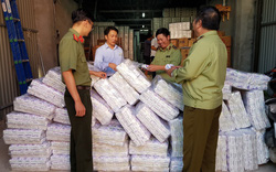 Phát hiện trên 4.000 gói băng vệ sinh giả