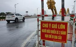 Hình ảnh người Đà Nẵng hối hả ứng phó bão Vamco, gió bắt đầu giật mạnh
