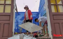 Trường học vùng biển tốc mái sau bão 13, giáo viên được huy động khẩn trương khắc phục