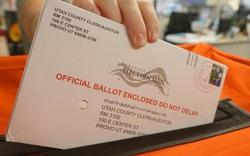 Lý do những lá phiếu qua thư ở Michigan, Wisconsin và Pennsylvania đều được kiểm muộn?