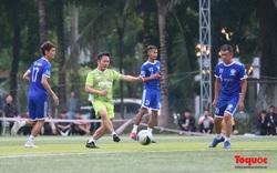 Nghệ sỹ, cầu thủ tham gia trận bóng vận động ủng hộ đồng bào miền Trung