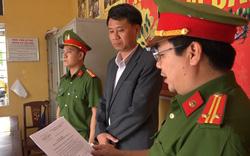 Bắt nguyên Trưởng phòng Tài nguyên và Môi trường TP Huế