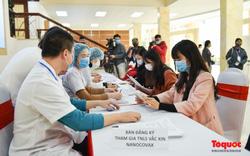 Chùm ảnh: Nhiều tình nguyện viên đăng ký tiêm thử nghiệm vaccine COVID-19