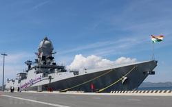 Tàu hải quân Ấn Độ ghé thăm Cảng Nhà Rồng