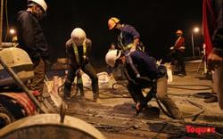 Hà Nội: Công nhân trắng đêm tu sửa mặt đường cầu Vĩnh Tuy
