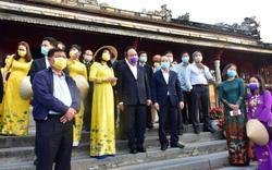 Thủ tướng kiểm tra công tác chống dịch nCoV tại Thừa Thiên- Huế: Bảo đảm sức khỏe cho người dân và khách du lịch