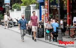 Những ngày đầu thực hiện đeo khẩu trang nơi công cộng: Du khách đến Huế thực hiện như thế nào?
