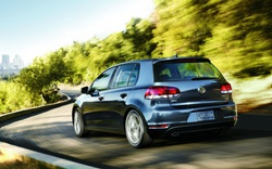Bán xe gian lận khí thải, Volkswagen phải đền gần 1 tỷ USD cho khách hàng