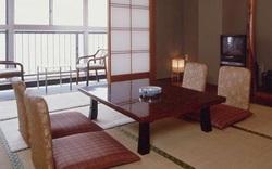 Thê thảm hơn Việt Nam, 1 khách sạn Nhật Bản hơn 60 năm tuổi vừa đệ đơn phá sản vì không có khách suốt một tháng qua