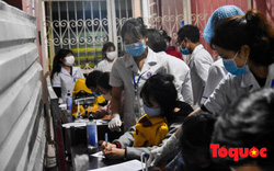 Sinh viên y khoa tại Huế xung phong ra tuyến đầu, trắng đêm chống dịch Covid-19