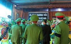 Nghệ An: Hình ảnh nghẹn ngào lễ tang đại úy hi sinh khi bắt băng nhóm ma túy