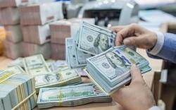 Ngân hàng Nhà nước chính thức can thiệp thị trường, bán USD rẻ hơn giá ngân hàng