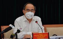 Bí thư Thành ủy TP.HCM Nguyễn Thiện Nhân đề nghị người dân khi ra đường phải đeo khẩu trang, ai không đeo sẽ bị chế tài