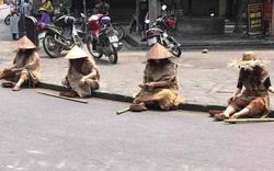 """Truy tìm nhóm người hóa trang thành """"ăn xin"""" trên phố cổ Hội An"""