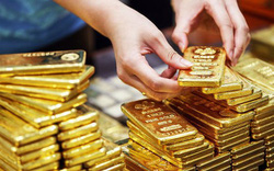 Sau khi tăng vọt lên 47,5 triệu đồng/lượng, giá vàng đảo chiều đi xuống